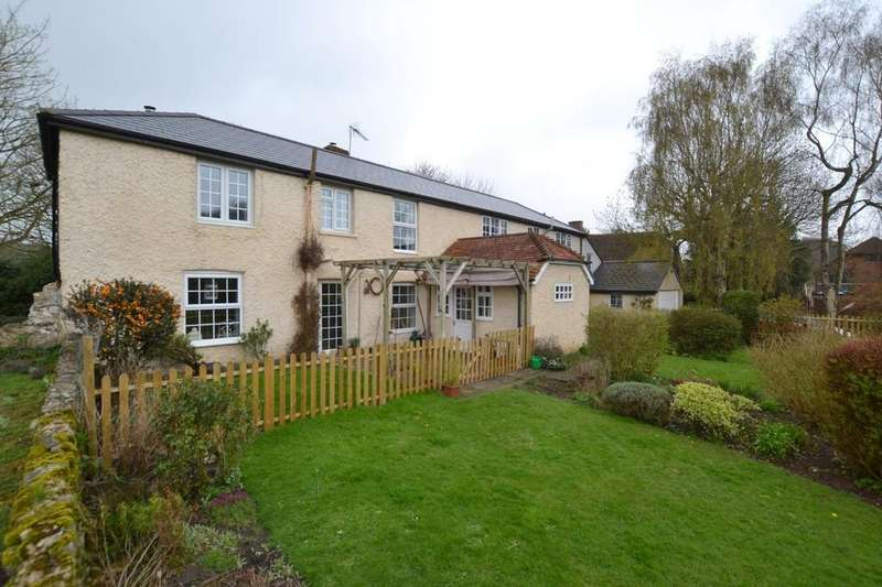 4 Bedrooms Detached House for sale in The Street, Lympne, Kent