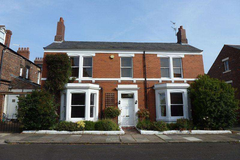 3 Bedrooms Detached House for rent in Oakland Road, Jesmond, Newcastle upon Tyne