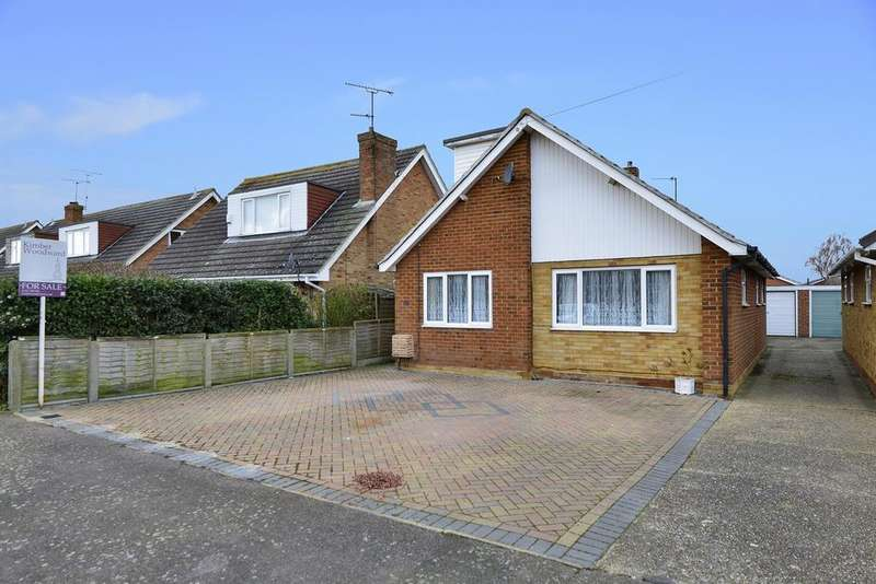 3 Bedrooms Chalet House for sale in Richmond Drive, Beltinge, Herne Bay, Kent