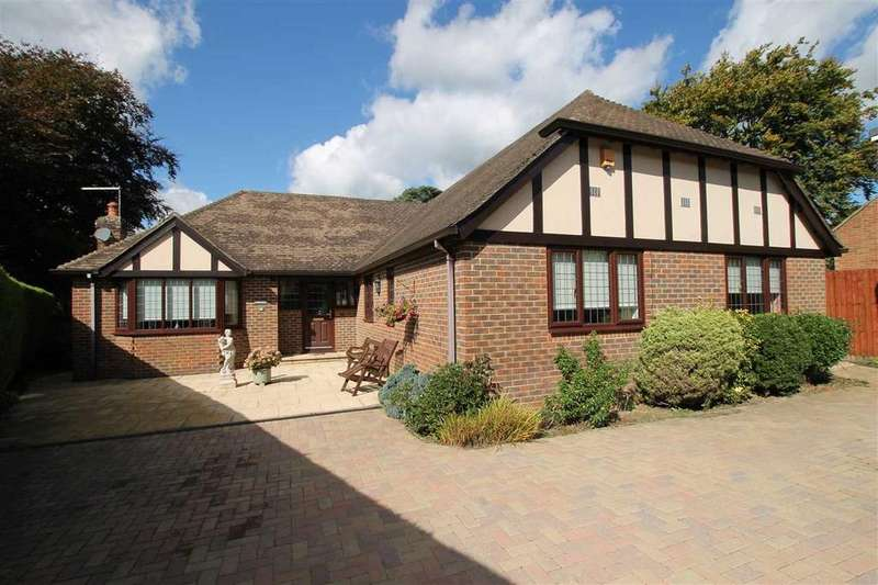 4 Bedrooms Bungalow for sale in Carlton Road, Headley Down, Headley Down
