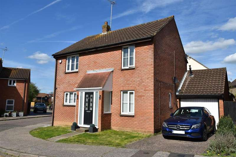 4 Bedrooms House for sale in Hallowell Down, South Woodham Ferrers