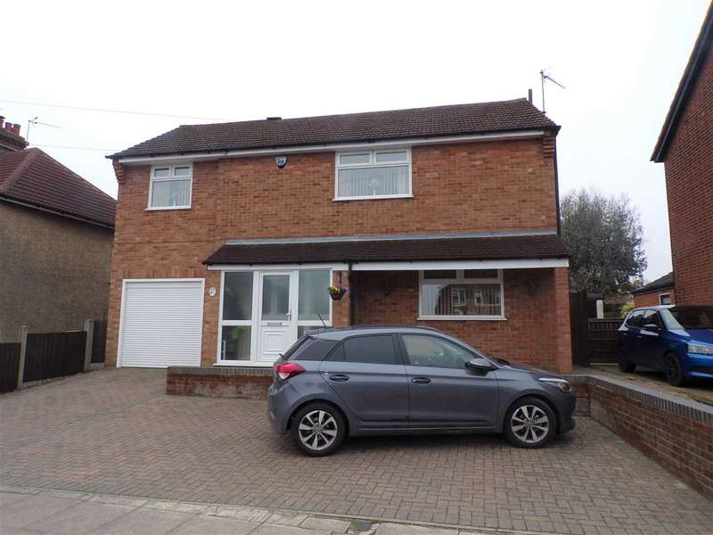 3 Bedrooms Detached House for sale in Felixstowe Road, Ipswich