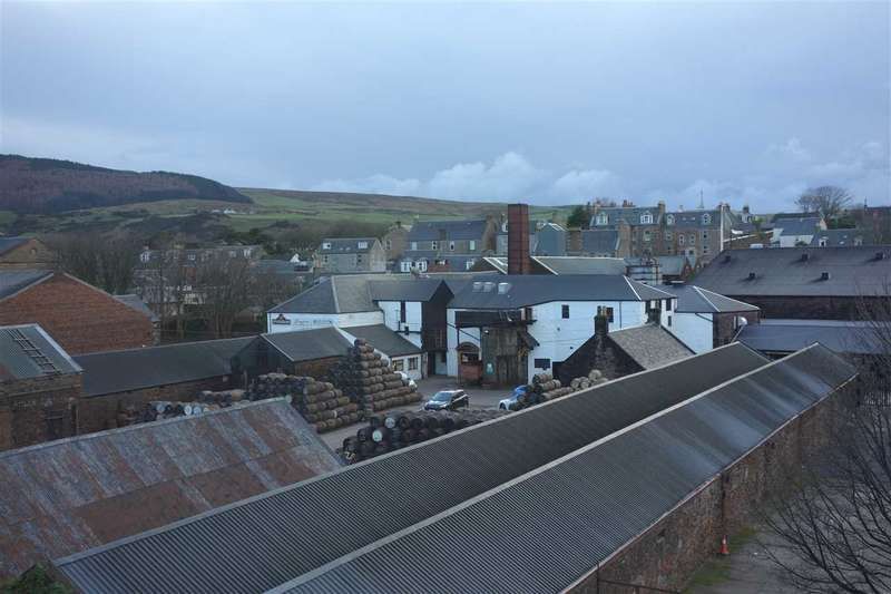 3 Bedrooms Flat for sale in Longrow, Campbeltown