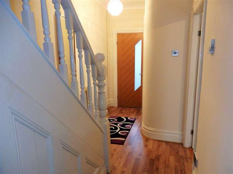 3 Bedrooms Terraced House for sale in Penybanc Road, AMMANFORD