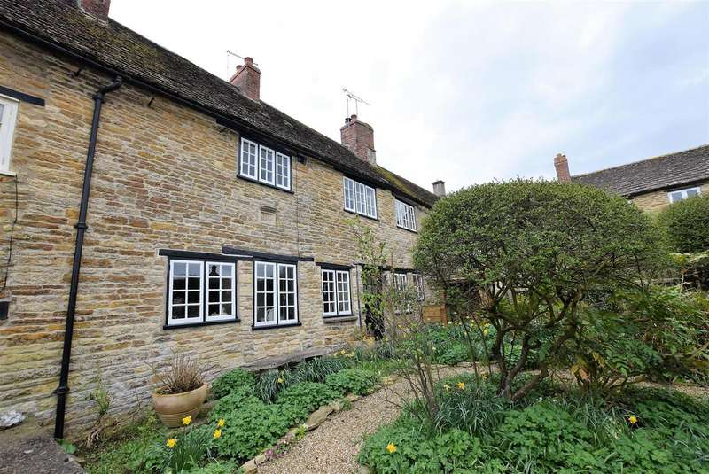 3 Bedrooms Property for sale in Back Lane, South Luffenham, Rutland