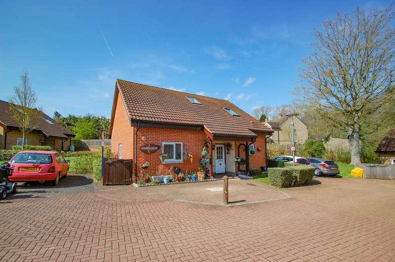 3 Bedrooms Chalet House for sale in The Woodpeckers, Denham Garden Village, Denham, UB9