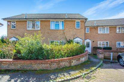 2 Bedrooms Semi Detached House for sale in Charlotte Place, Kingsbury, London, Uk