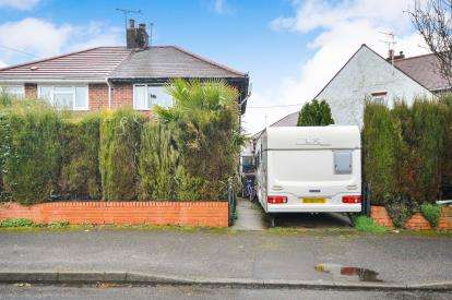3 Bedrooms Semi Detached House for sale in Thompson Crescent, Sutton In Ashfield, Nottinghamshire, Notts