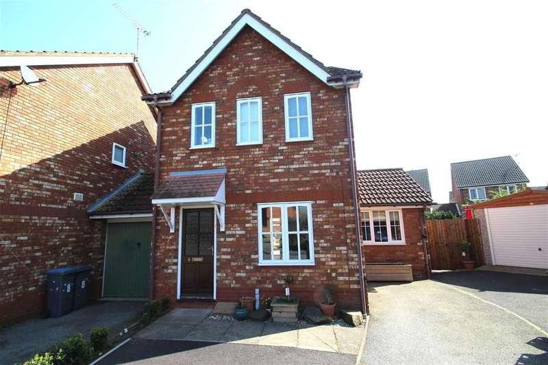 3 Bedrooms Link Detached House for sale in Warren Chase, Grange Farm, Kesgrave, Ipswich