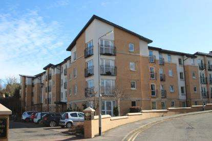 1 Bedroom Retirement Property for sale in Aidans Brae, Clarkston