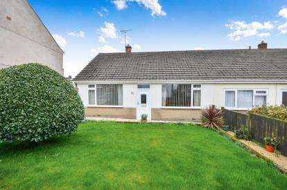 2 Bedrooms Bungalow for sale in New Street, Newton, Alfreton, Derbyshire