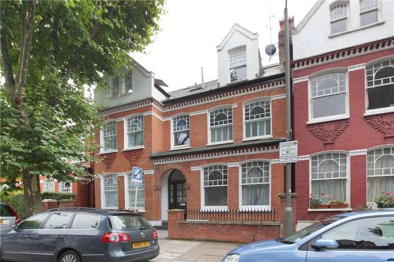 2 Bedrooms Flat for sale in Crockerton Road, Wandsworth Common, London, SW17