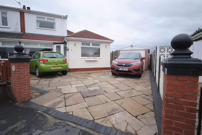 4 Bedrooms Semi Detached Bungalow for sale in Borden Close, New Springs, Wigan
