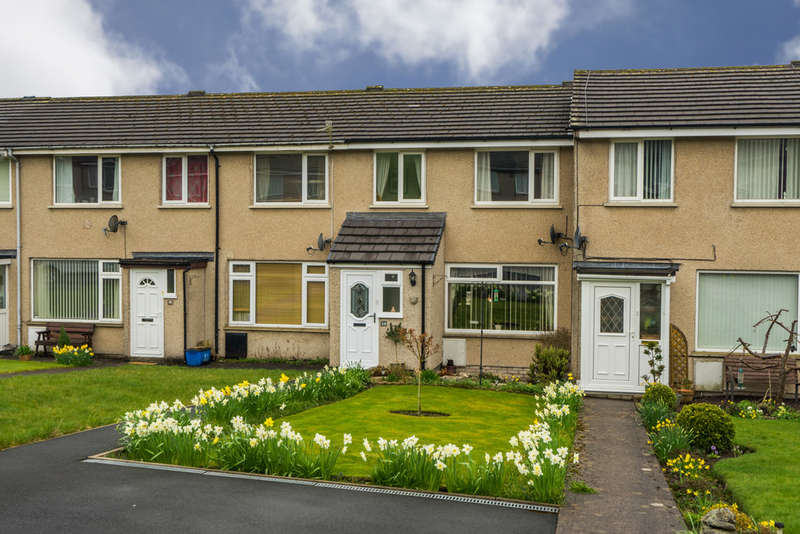 3 Bedrooms Terraced House for sale in 34 Hayclose Crescent, Kendal, Cumbria, LA9 7NT