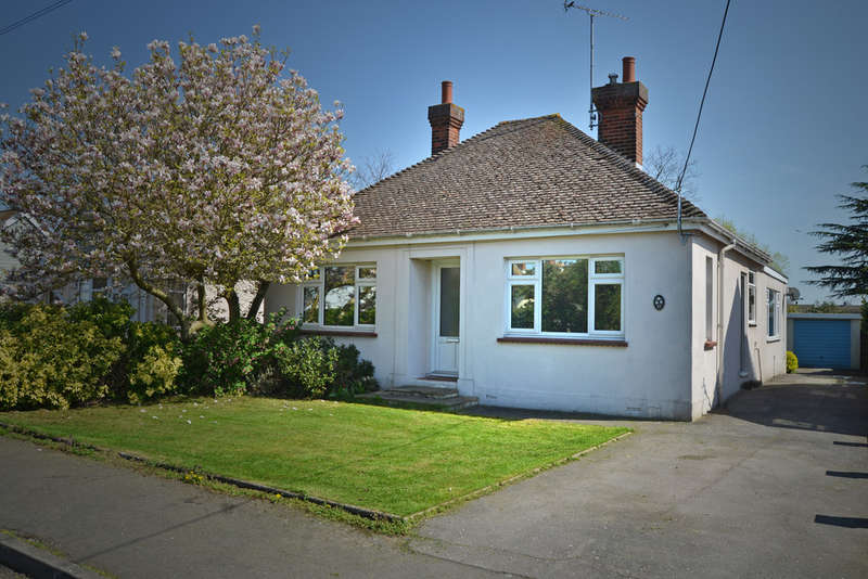 3 Bedrooms Detached Bungalow for sale in King Edward Avenue, Burnham-on-Crouch