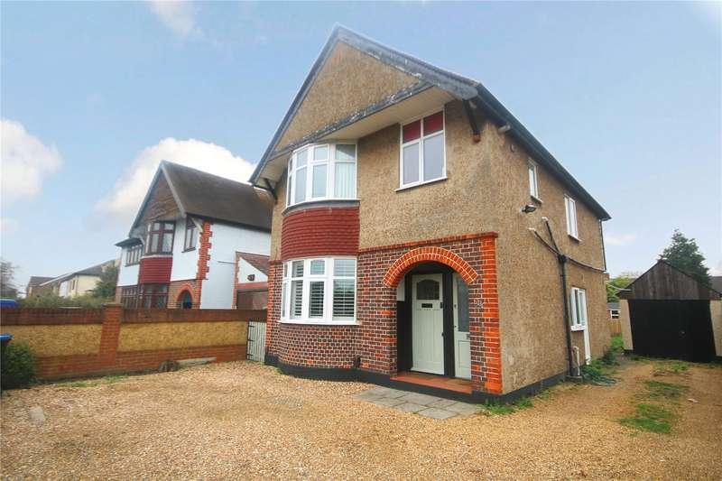 2 Bedrooms Maisonette Flat for sale in School Lane, Addlestone, Surrey, KT15