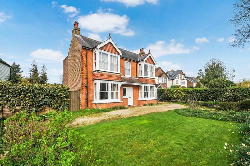 4 Bedrooms Detached House for sale in Whyke Road, Chichester
