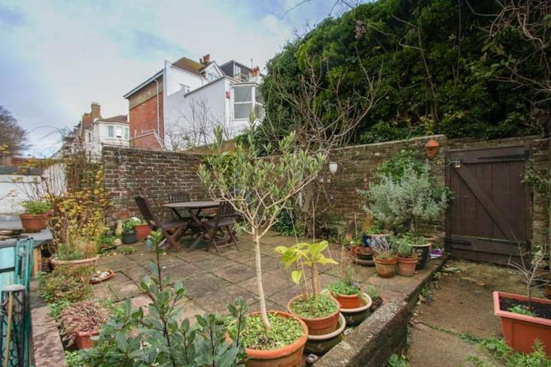 4 Bedrooms Terraced House for sale in Walpole Road, Brighton