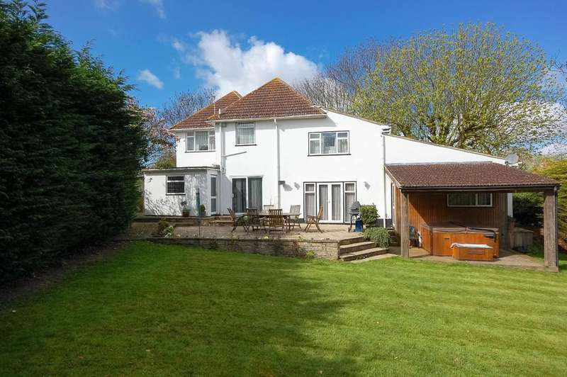 5 Bedrooms Detached House for sale in Albion Close, Herne, Herne Bay