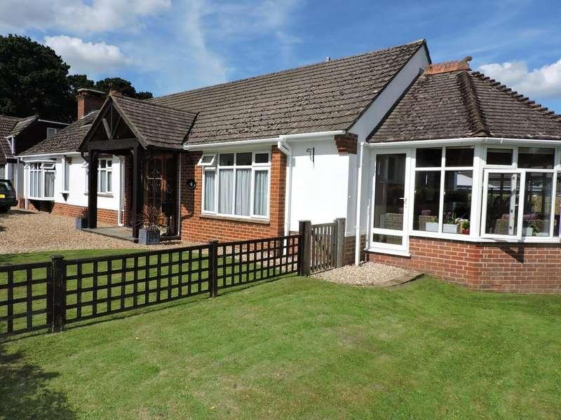 4 Bedrooms Detached Bungalow for sale in Ferndown, Dorset
