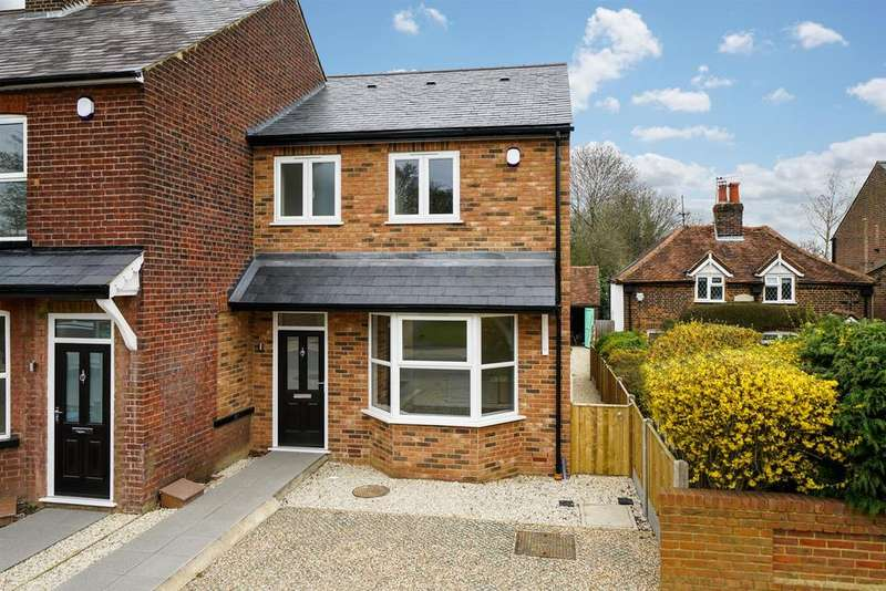 3 Bedrooms Semi Detached House for sale in Leverstock Green Road, Hemel Hempstead