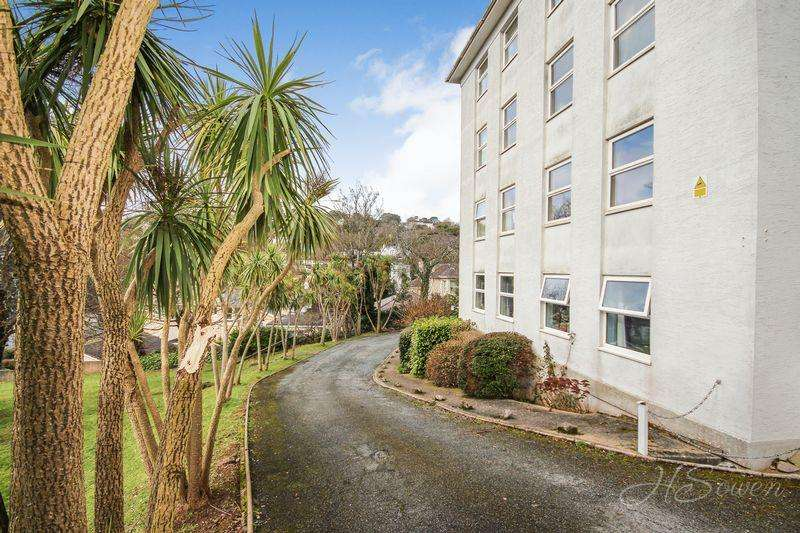 2 Bedrooms Apartment Flat for sale in Lower Erith Road, Torquay