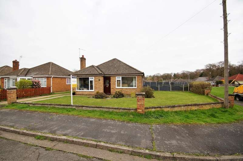 3 Bedrooms Detached Bungalow for sale in Wiseholme Road, Skellingthorpe, Lincoln
