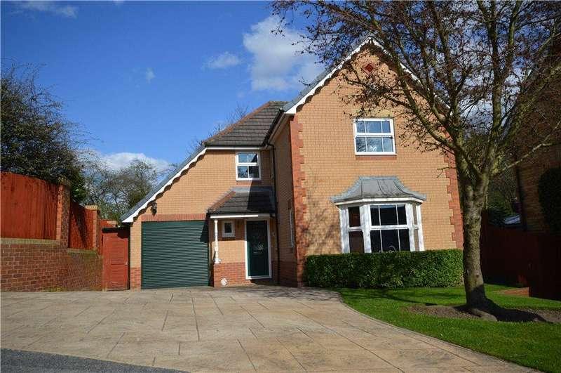 3 Bedrooms Detached House for sale in Park Copse, Horsforth, Leeds, West Yorkshire