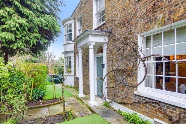 4 Bedrooms Detached House for sale in North Hill, Highgate Village, London, N6
