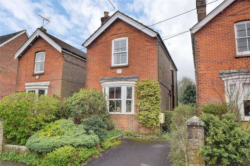 2 Bedrooms Detached House for sale in Rushes Road, Petersfield, Hampshire