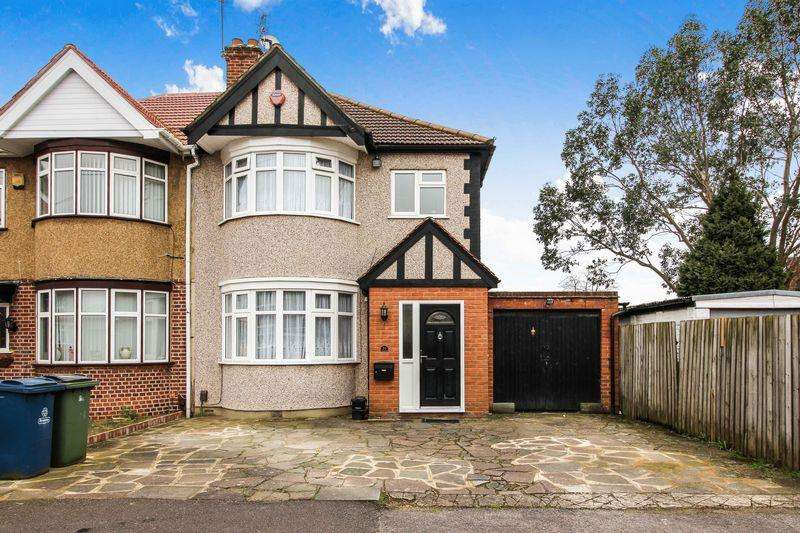 3 Bedrooms Semi Detached House for sale in Irvine Avenue, Harrow