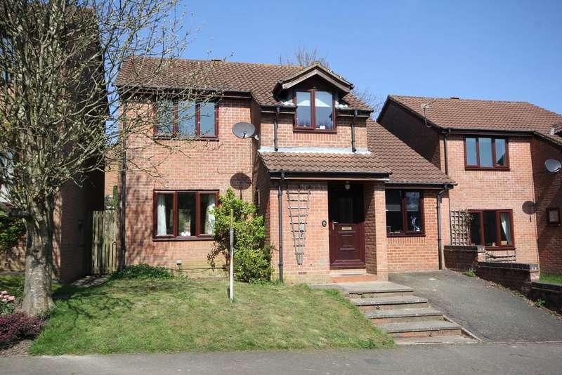 5 Bedrooms Detached House for sale in Bridger Way, Crowborough