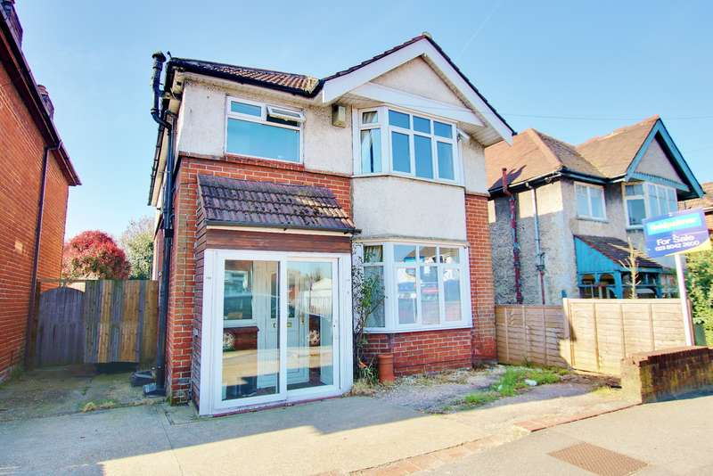 3 Bedrooms Detached House for sale in THREE DOUBLE BEDROOMS! SPACIOUS RECEPTION SPACE! CALL TO VIEW!