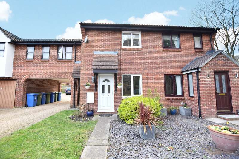 2 Bedrooms Terraced House for sale in Hythe Close, Bracknell, Berkshire, RG12
