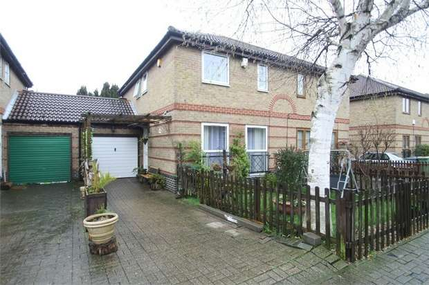 4 Bedrooms Semi Detached House for sale in Beryl Avenue, Beckton, London