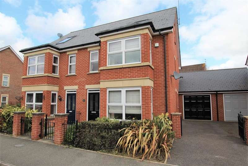 4 Bedrooms Semi Detached House for sale in Oxford Road, Horsham