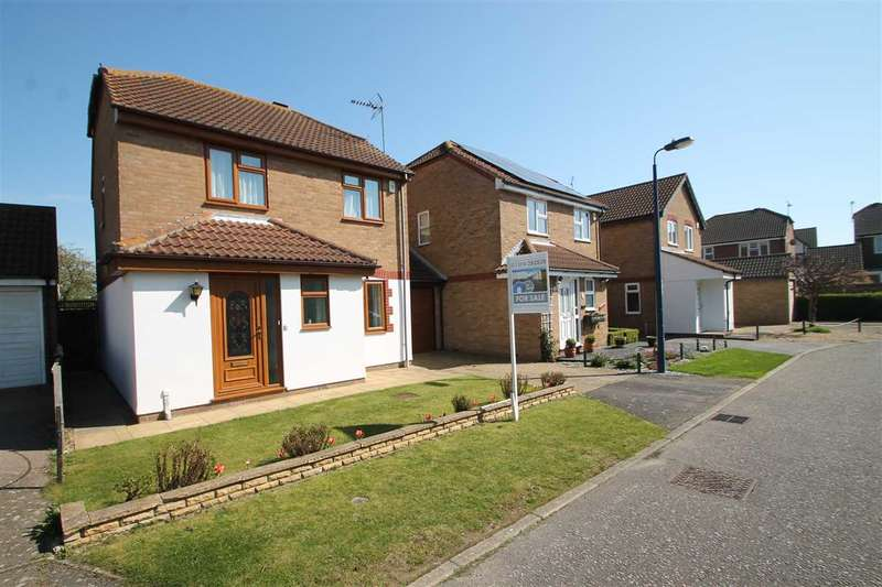 3 Bedrooms House for sale in Lawn Way, Felixstowe