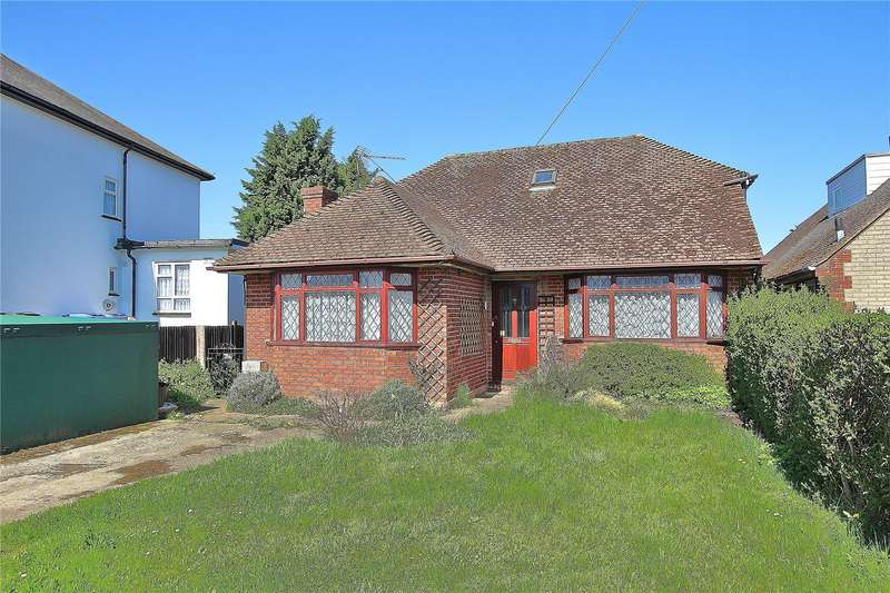 3 Bedrooms Detached Bungalow for sale in Anchor Hill, Knaphill, Woking, Surrey, GU21