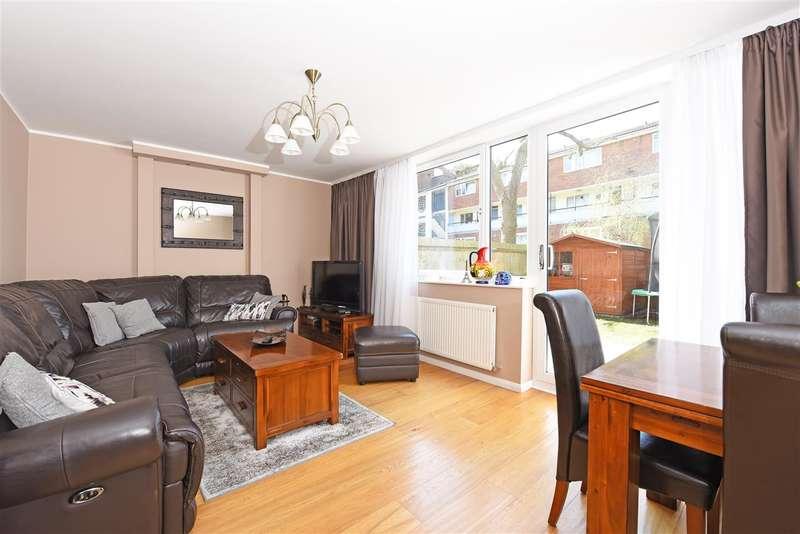 3 Bedrooms Apartment Flat for sale in Gosport House, Bessborough Road, Roehampton