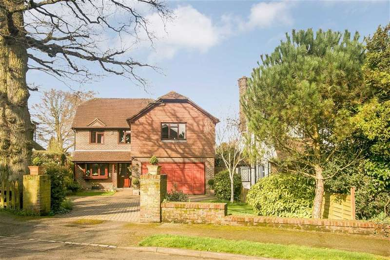 5 Bedrooms Detached House for sale in Hartley Old Road, Purley, Surrey