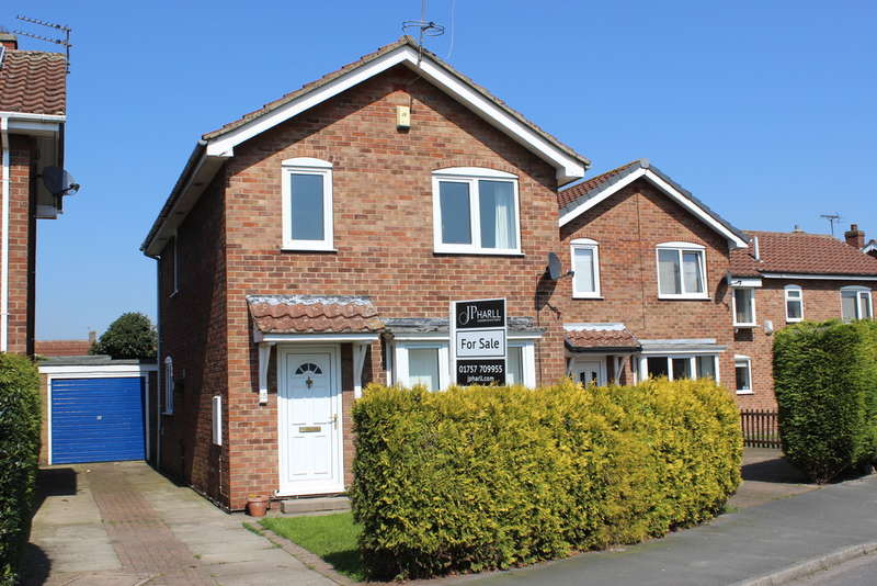 3 Bedrooms Detached House for sale in Bramley Avenue, Barlby