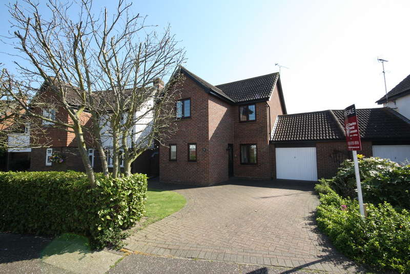 4 Bedrooms Detached House for sale in Pollards Green, Chelmsford