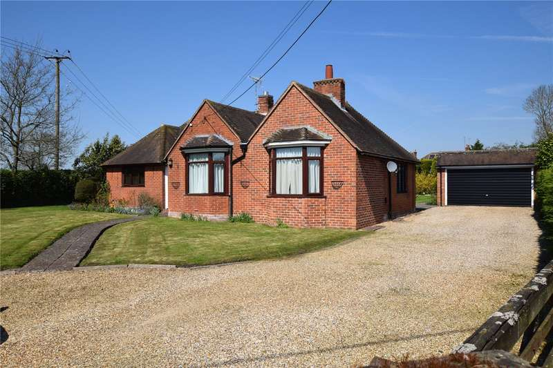 4 Bedrooms Detached Bungalow for sale in Sulhamstead Road, Burghfield Village, Reading, Berkshire, RG30