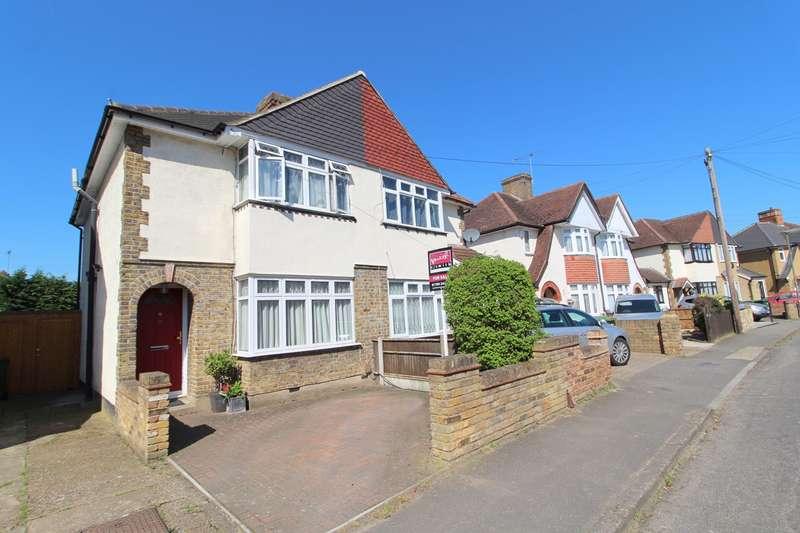 3 Bedrooms House for sale in Linkscroft Avenue, Ashford, TW15