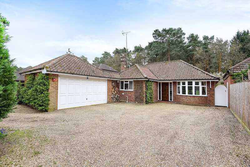 3 Bedrooms Detached Bungalow for sale in Nine Mile Ride, Finchampstead, RG40