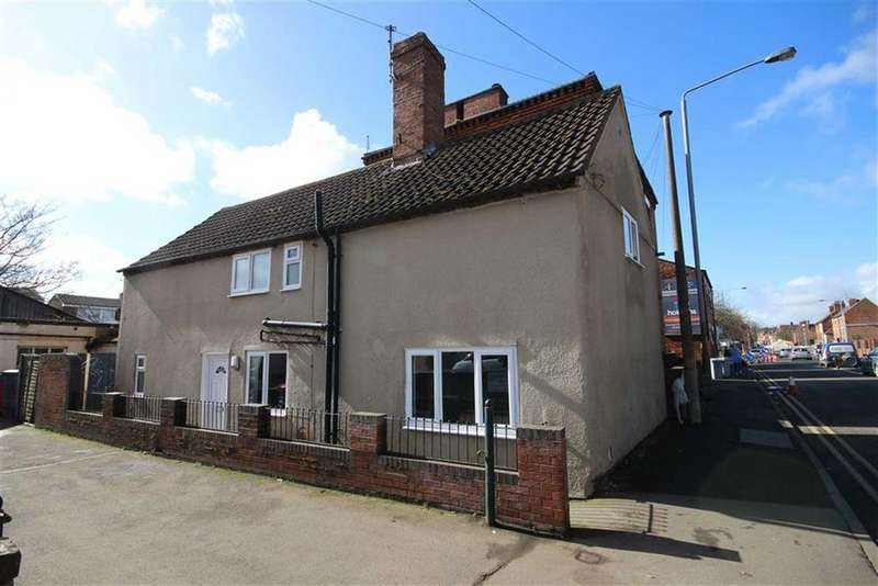 3 Bedrooms Detached House for sale in North Gate, Newark, Nottinghamshire