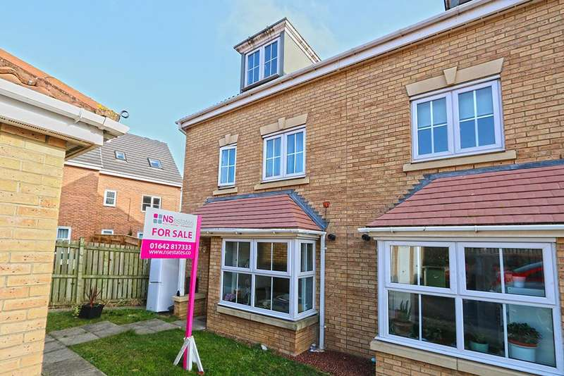 4 Bedrooms Town House for sale in Fescue close, Farriers park, Stockton-on-Tees TS18