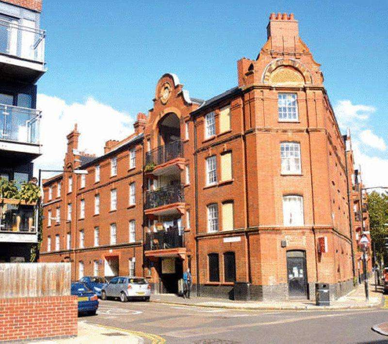 2 Bedrooms Apartment Flat for sale in Cressy House, Stepney