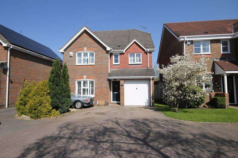 4 Bedrooms Detached House for sale in Coulstock Road, Burgess Hill, West Sussex