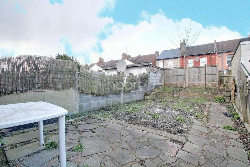 2 Bedrooms Terraced House for sale in Dennett Road, Croydon, CR0